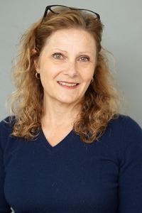 Headshot of Diane Cohen Schneider